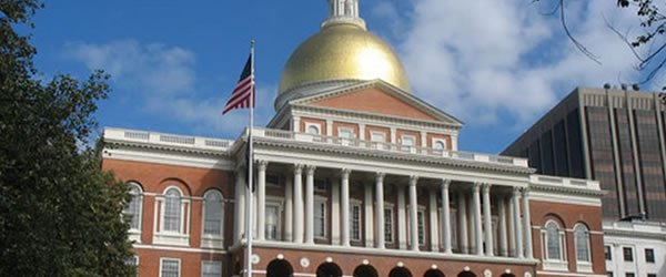 Massachusetts State House 600x250 [slide]